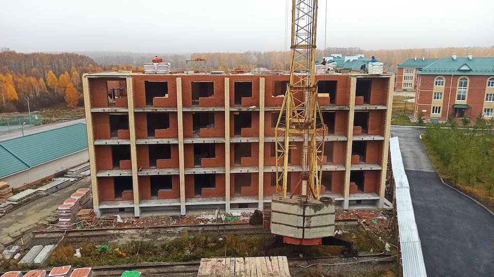 Строительство жилого дома №12, октябрь 2021 г.